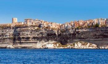 Corse : Les falaises de Bonifacio