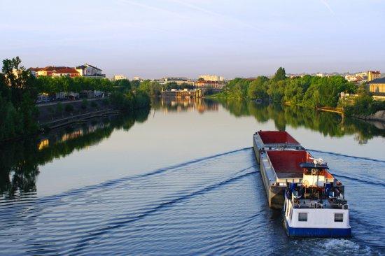 Top 5 des plus beaux parcours de tourisme fluvial en France